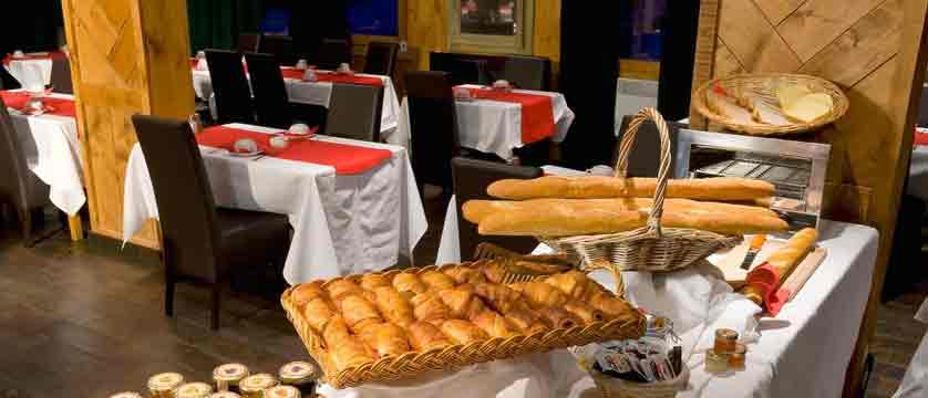 Hotel Le Mottaret - breakfast buffet